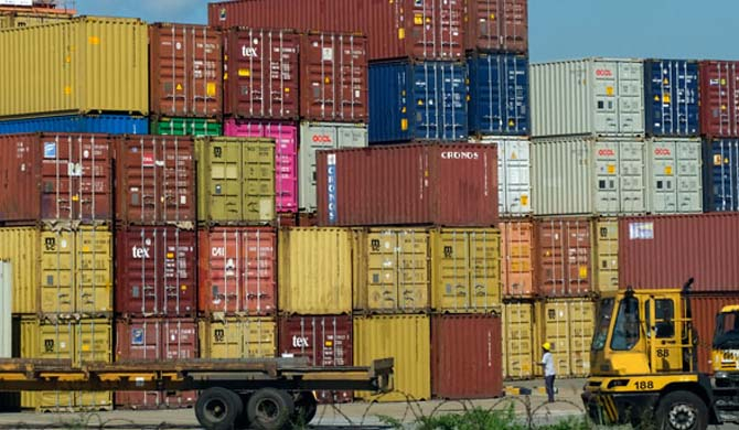 20,000 containers held up at Port
