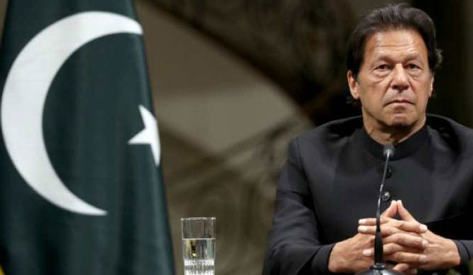 Pakistan clarifies why Imran Khan tested Covid-19 positive after jab | Update