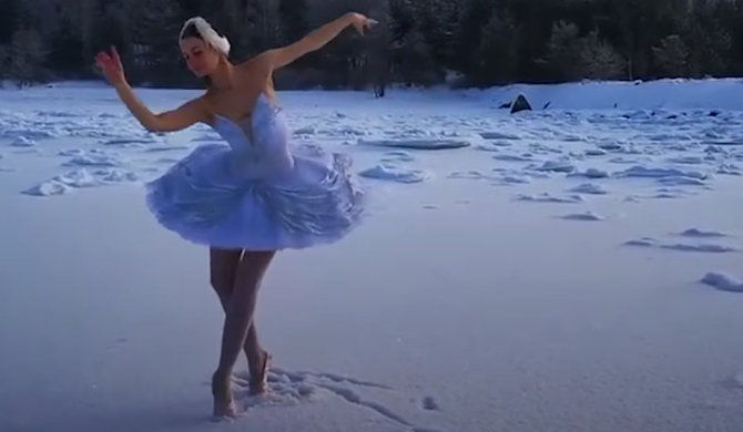 The ballerina dancing on ice for a real 'swan lake'